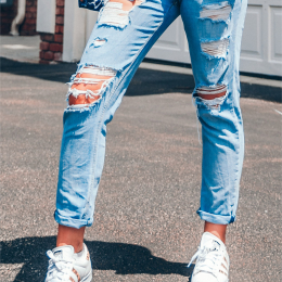 666F boyfriend jeans with rips